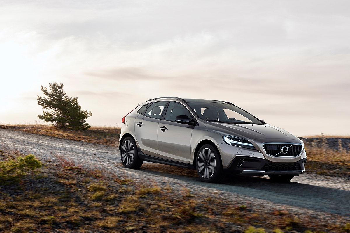 小改款Volvo V40日内瓦车展前亮相
