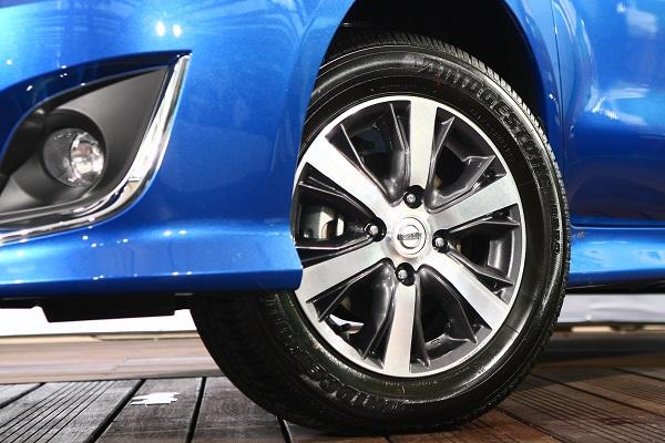 Nissan livina 1 8 fun carstuff