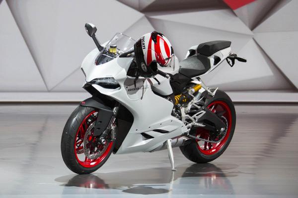 【法蘭克福車展】二輪也瘋狂,Ducati 899 Panigale 全球首發! - 摩界圓夢工程師 - 石氏重型機車貿易organization