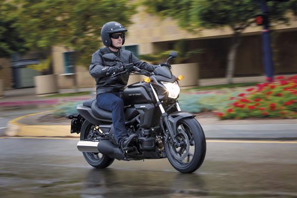 【全球新聞】品牌第六款DCT變速箱車型,Honda CTX700N將現身歐洲道路 - 摩界圓夢工程師 - 石氏重型機車貿易organization