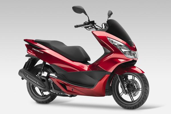 【兩輪世界】Honda PCX 125產品改良,一桶油可行駛超過375公里! - 摩界圓夢工程師 - 石氏重型機車貿易organization