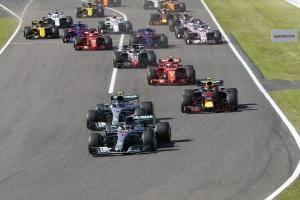 銀箭車隊連五年F1日本站奪冠,Lewis Hamilton生涯第80次奪桿位!