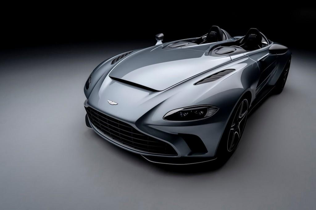 今年三月,Aston Martin位於英國總部發表限量超跑V12 Speedster,純手工打造,限量88台,已開始接單,預計明年第一季開始交車。