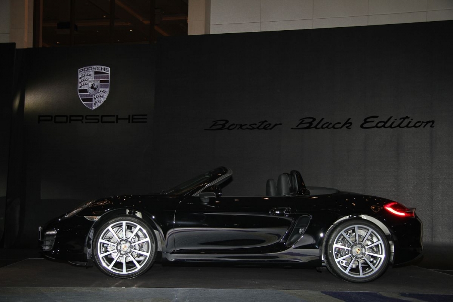 Porsche Boxster及911 Carrera Black Edition限量推出
