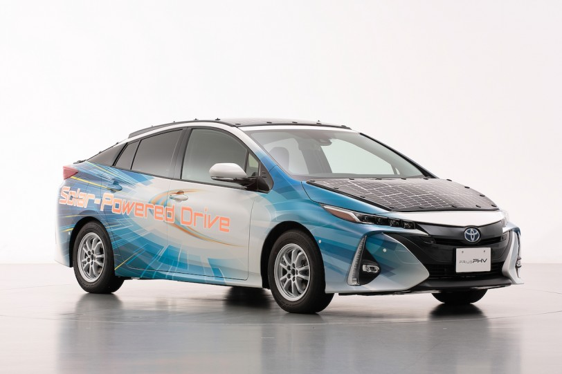 Toyota、Sharp 與 NEDO三方合作開發全新車載太陽能電池組、Prius PHV 電動車上路測試
